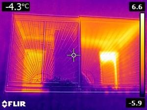 Porovnanie úniku tepla pri vetraní balkónom